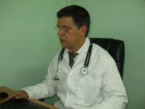 Especialista en Neurología, Cuidados Intensivos y Medicina Familiar